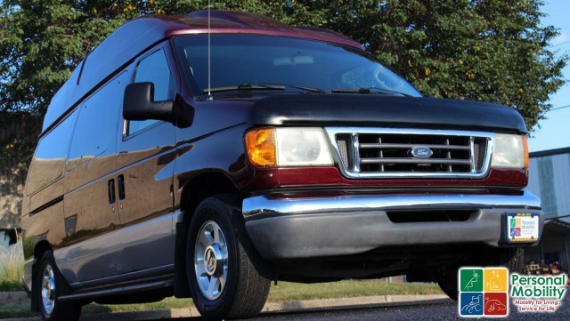 2004 Ford Econoline Wagon wheelchair van for sale