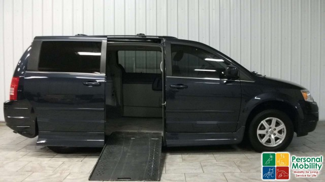 2008 Chrysler Town and Country Rollx Vans Rollx In Floor Chryslerwheelchair van for sale