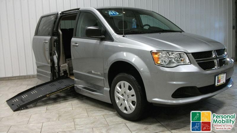 d4e60b0c18 2018 Dodge Grand Caravan Commercial Vans Dodge ADA Entervanwheelchair van  for sale