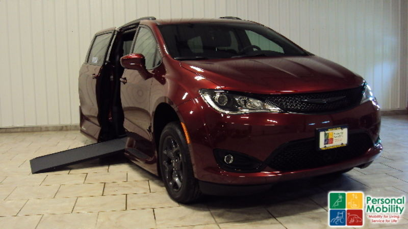 2019 Chrysler Pacifica VMI Chrysler Pacifica Northstar Access360 by VMIwheelchair van for sale
