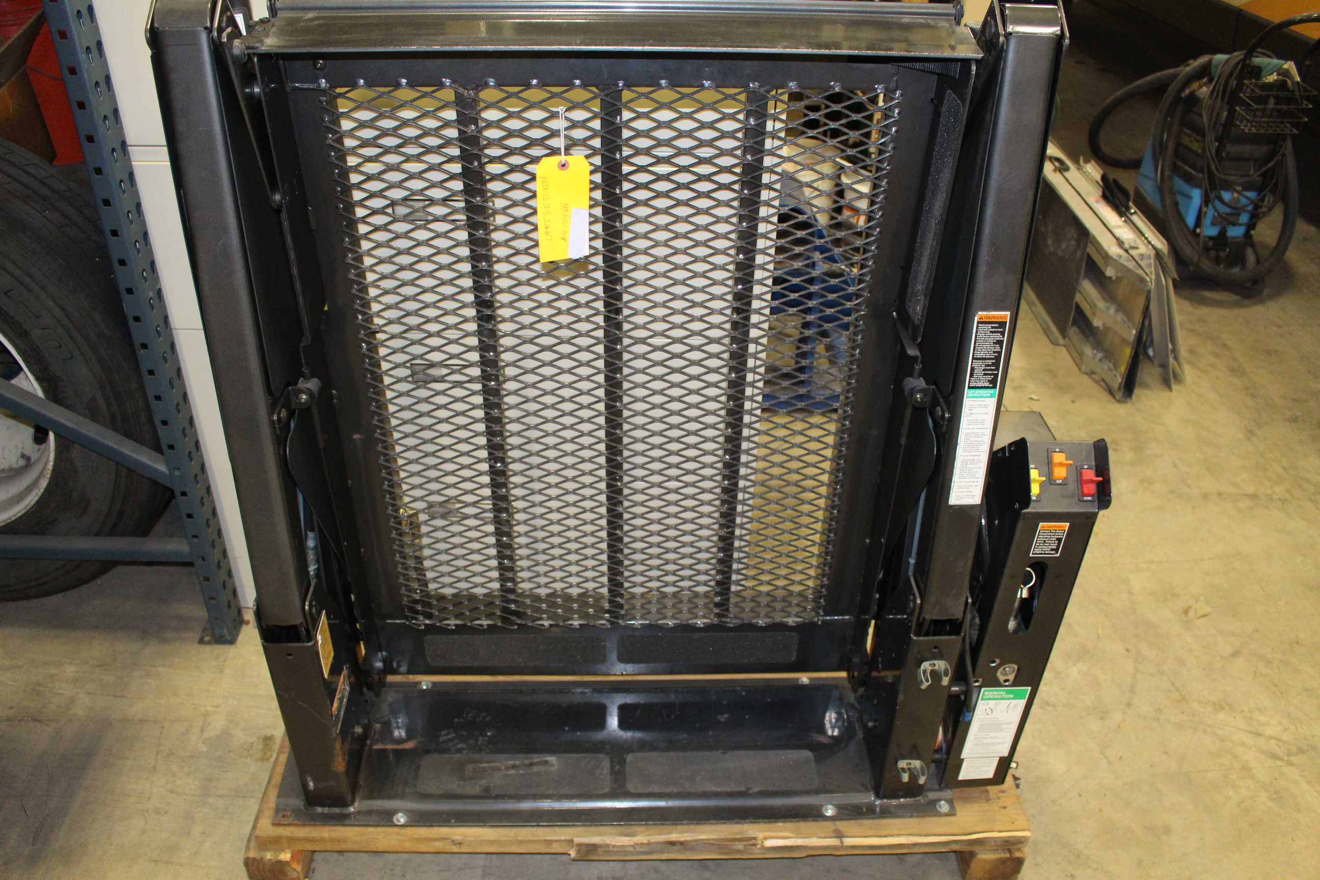 Used Braun Hydraulic Wheelchair Lift For Sale